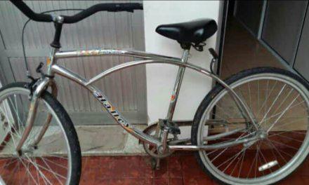 Le robaron la bicicleta de su lugar de trabajo