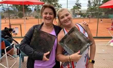 Ganadoras de un torneo de tenis en Carlos Paz