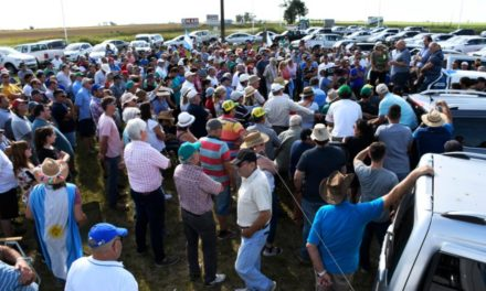 """Productores agropecuarios se reunieron en Armstrong y afirman que el gobierno """"hace lo mismo que en 2008"""""""