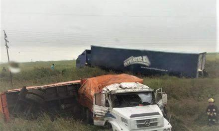 Accidente entre dos camiones en la 178