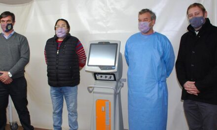 El Senador Cornaglia entregó un respirador artificial al Hospital de Las Rosas