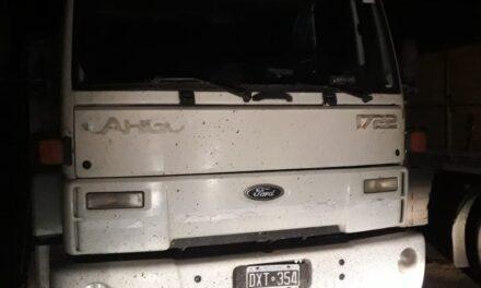 Encontraron en Las Parejas un camión robado en Justiniano Posse