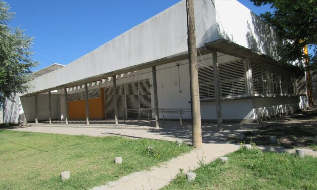 """La Escuela 1404 ahora es """"Escuela Malvinas Argentinas"""""""