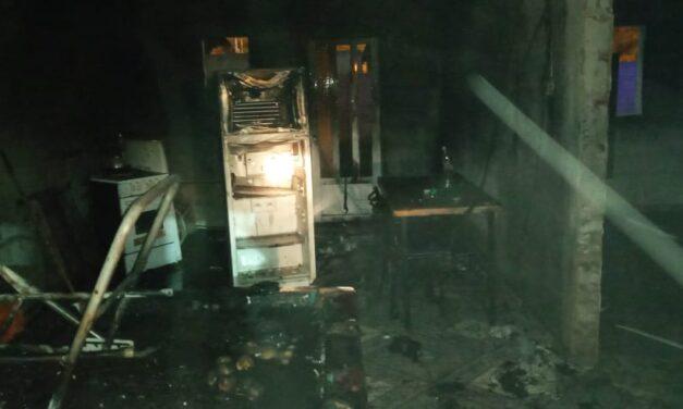 Importantes pérdidas en una vivienda por un incendio