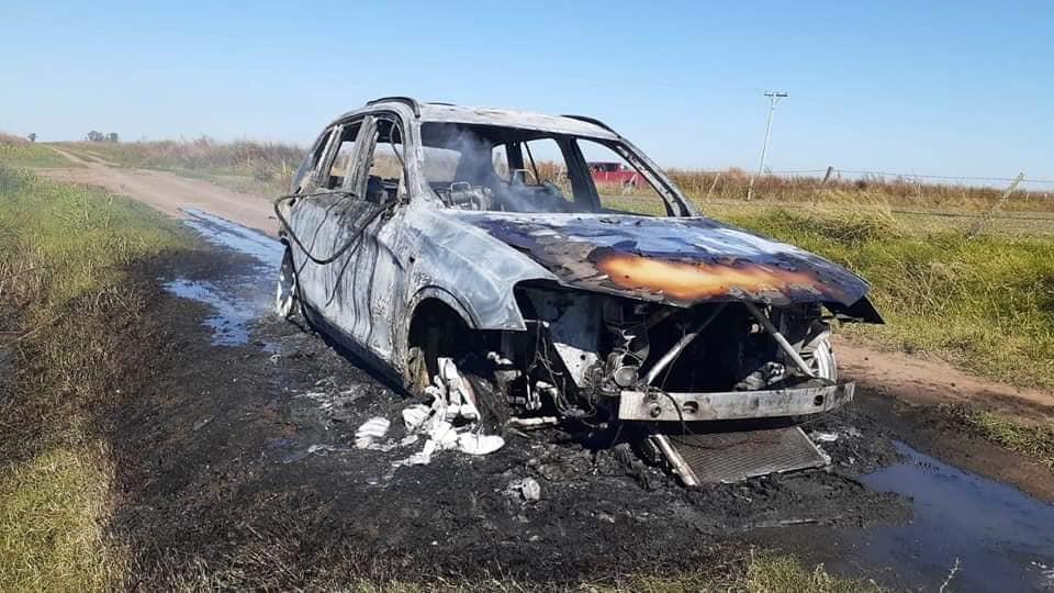 Se incendió un vehículo en la zona rural