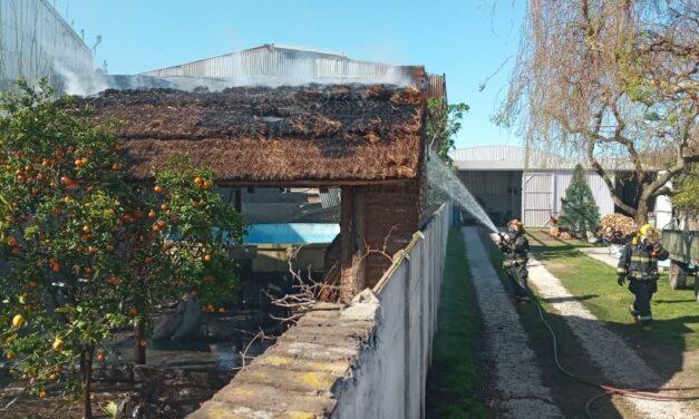 Incendio en el quincho de una vivienda
